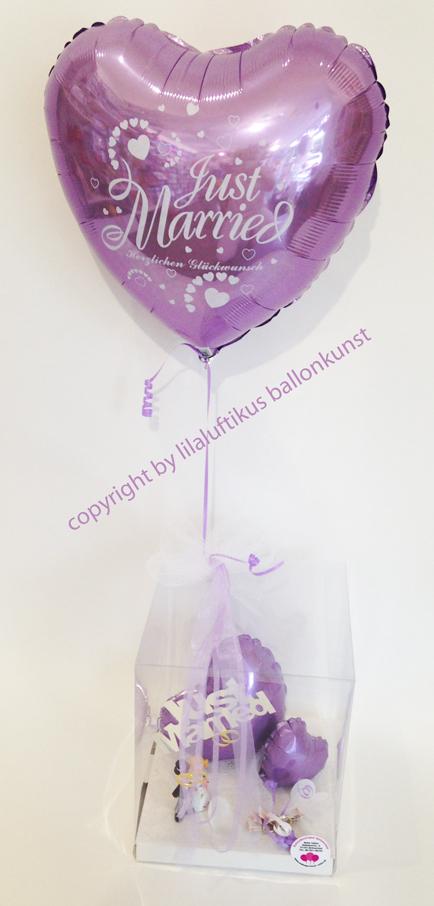 Geschenkbox Zur Hochzeit In Farbe Lila Fur Geldgeschenk Mit Herz