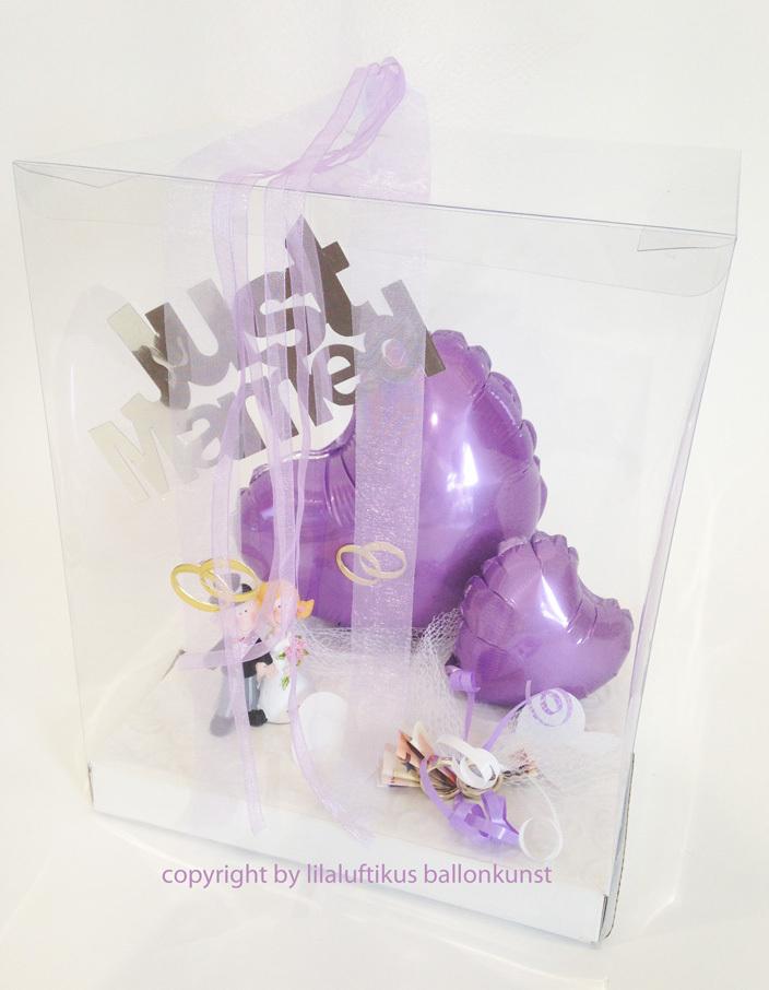 geschenkbox zur hochzeit in farbe lila f r geldgeschenk mit herz. Black Bedroom Furniture Sets. Home Design Ideas